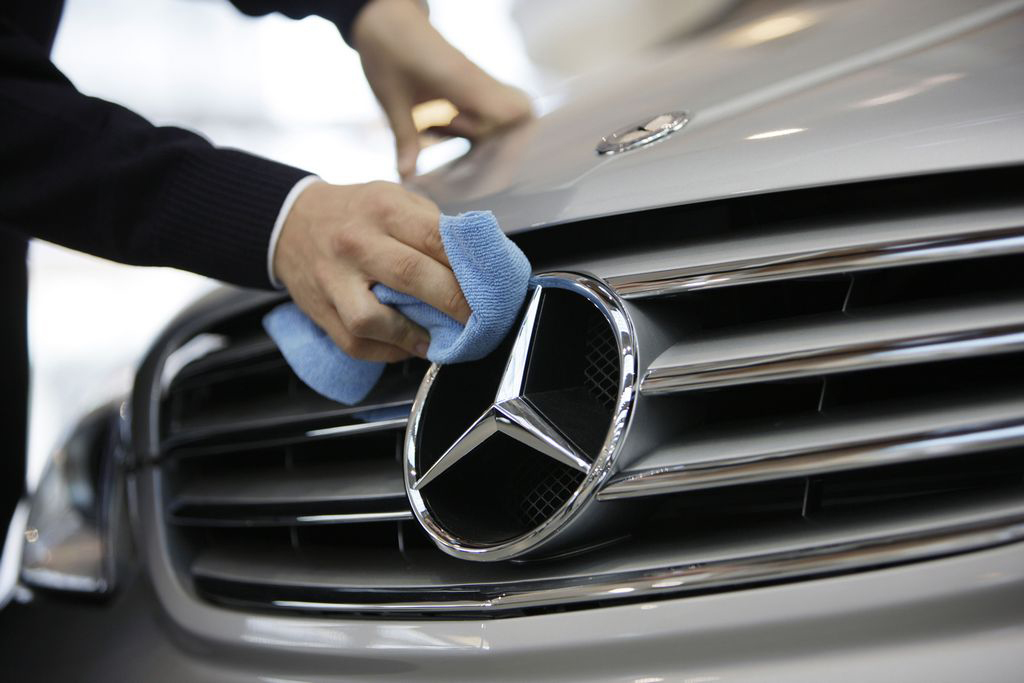 Minsky mercedes benz specialists mercedes repair san for Mercedes benz maintenance schedule