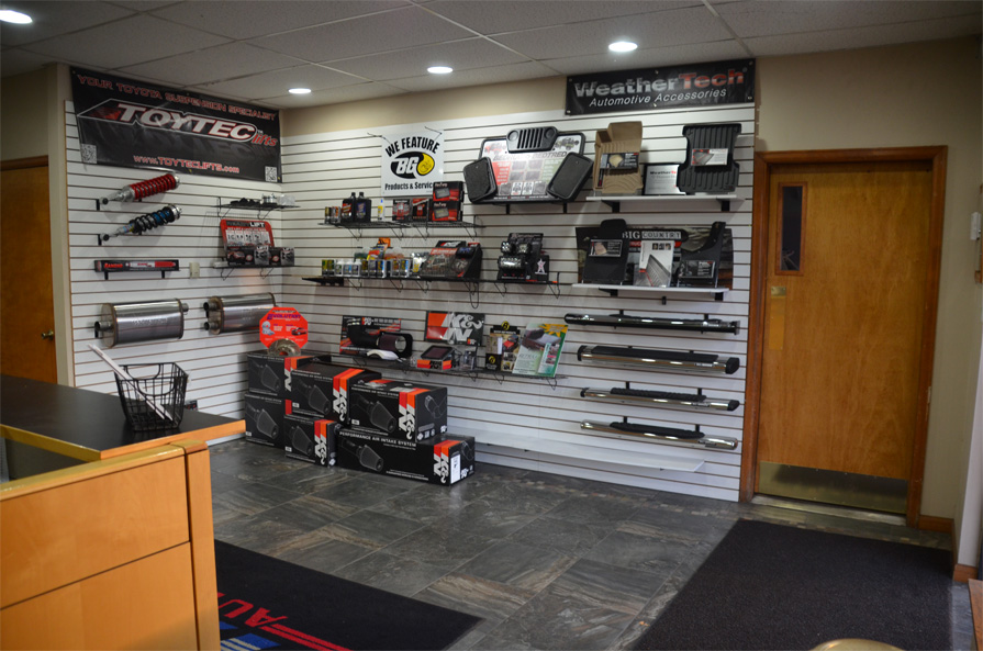 Hayes Truck Performance, Longmont CO, 80501, Truck Repair, Diesel Repair, fuel injection repair, Suspension Lift Kits and Truck Accessories