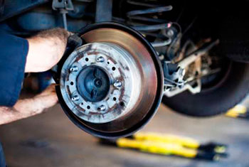 Woodard's Automotive Center, Florence SC, 29501, Auto Repair, Engine Repair, Brake Repair, Transmission Repair and Auto Electrical Service
