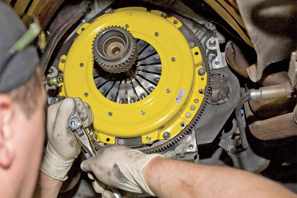 Summit Transmissions & Auto Care, La Mesa CA, 91942, auto maintenance, Oil Change Service, Clutch Repair, Timing Belt Replacement and Battery Service