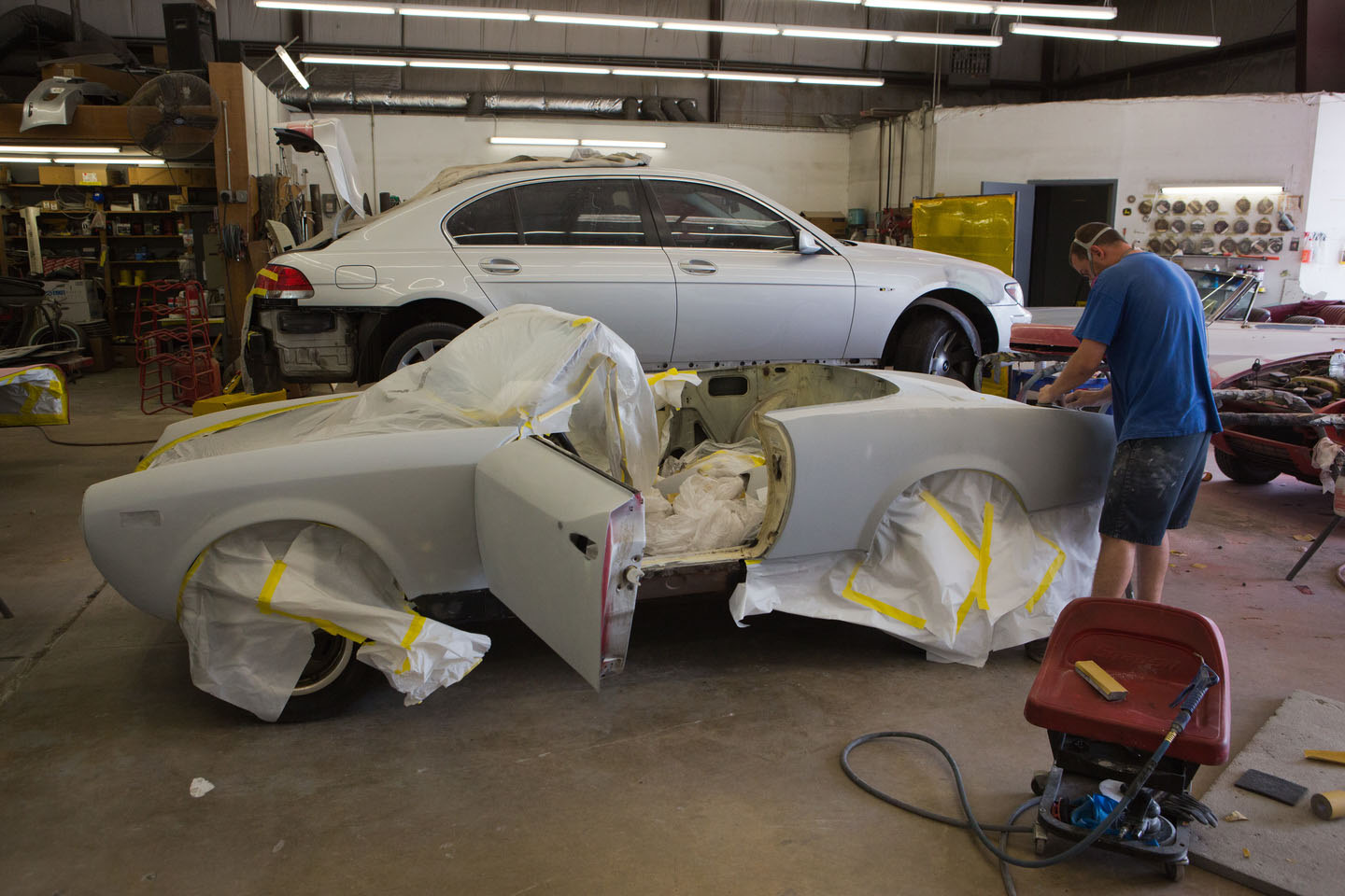 Elite auto body collision repair annapolis md auto for Car paint shop