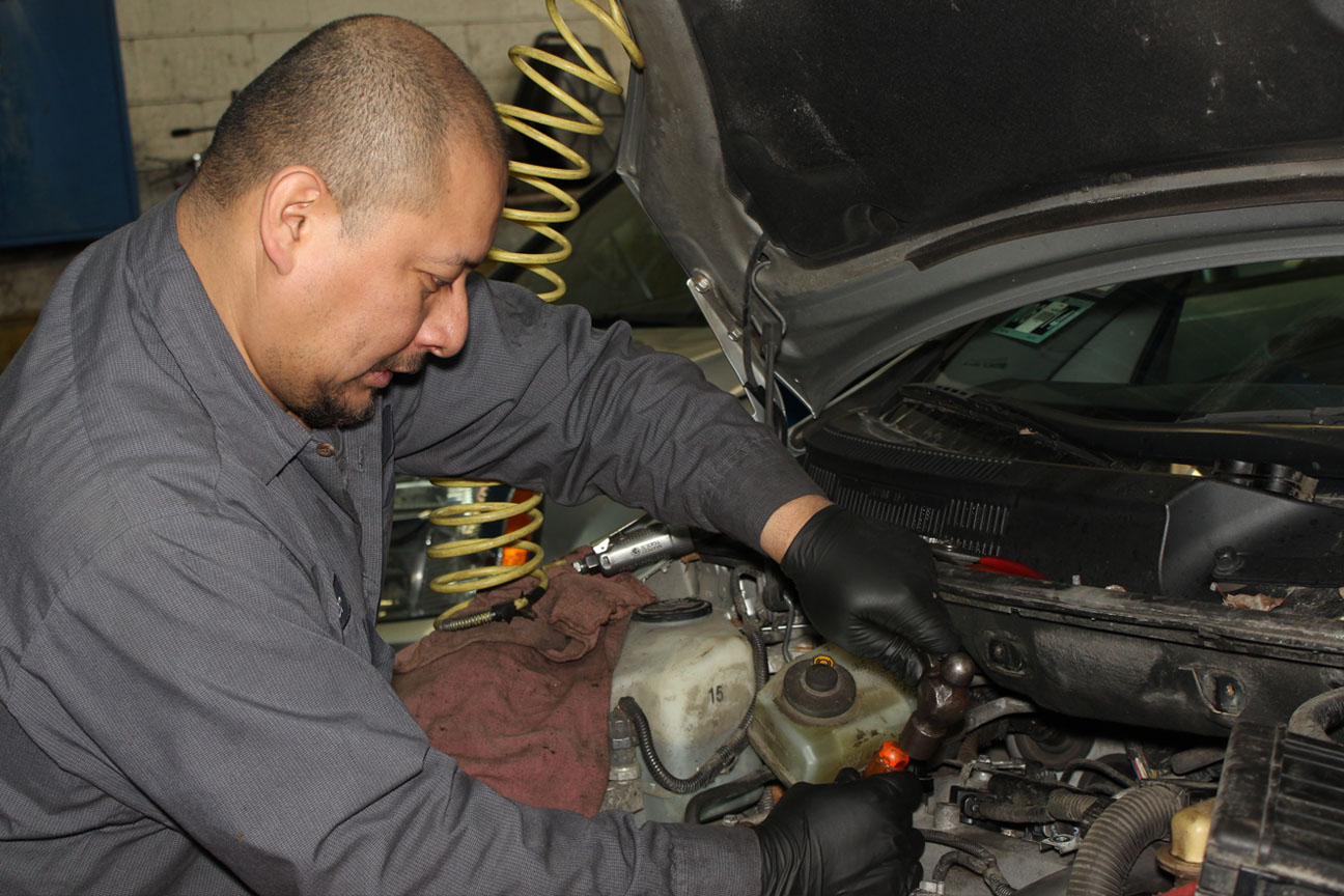 Brach's Brake Center, Chicago IL and Mount Greenwood IL, 60643 and 60655, Brake Repair, Brake Service, Brake Pad Replacement, Brake Rotor Replacement and Brake Fluid Flush