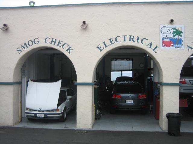 Laguna Auto Service Center Diagnostics and Electronic Repair, Laguna Beach CA, 92651, Diagnostics and Electronic Repair, Smog Test and Repair, Check Engine Light Diagnostics, Battery Diagnosis and Computer Diagnostics